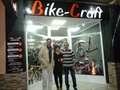 141) En la inauguración de Bike-Craft.